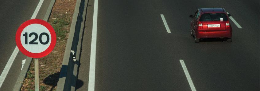 Límites de velocidad permitidos según el tipo de vía y de transporte