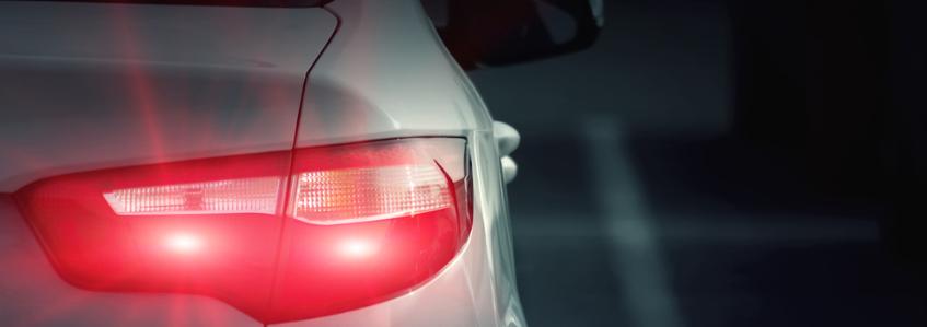 ¿Qué luces son obligatorias para mi vehículo?